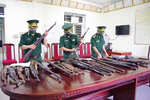 Vận động thu hồi lượng lớn vũ khí trong nhân dân