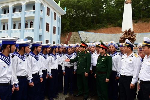 Một giờ với Bộ trưởng Phùng Quang Thanh