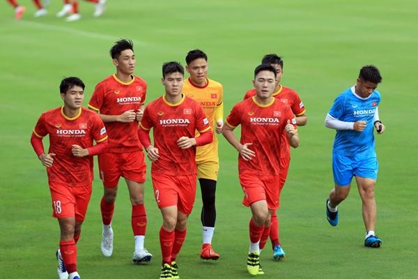 Đội tuyển Việt Nam trở lại sân tập, hướng tới trận gặp Trung Quốc và Oman