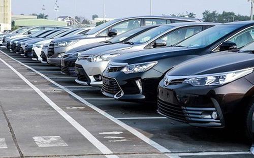Lượng ô tô nguyên chiếc nhập khẩu giảm mạnh trong tháng 8