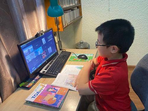 Nhiều chính sách hỗ trợ học sinh, sinh viên học trực tuyến