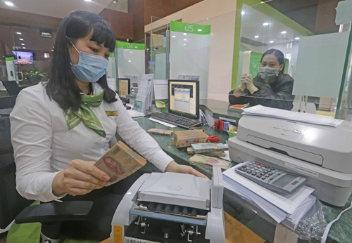 Ngành ngân hàng giảm lãi suất cho vay để hỗ trợ tăng trưởng kinh tế