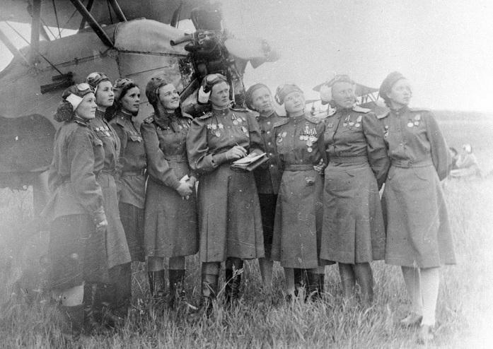 """Những nữ phi công """"phù thủy đêm"""" gieo rắc kinh hoàng cho quân phát xít"""