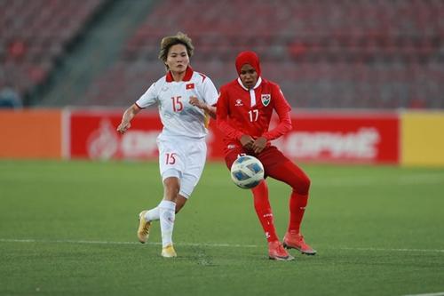 """Đội tuyển nữ Việt Nam dội """"cơn mưa"""" bàn thắng vào lưới đội tuyển nữ Maldives"""