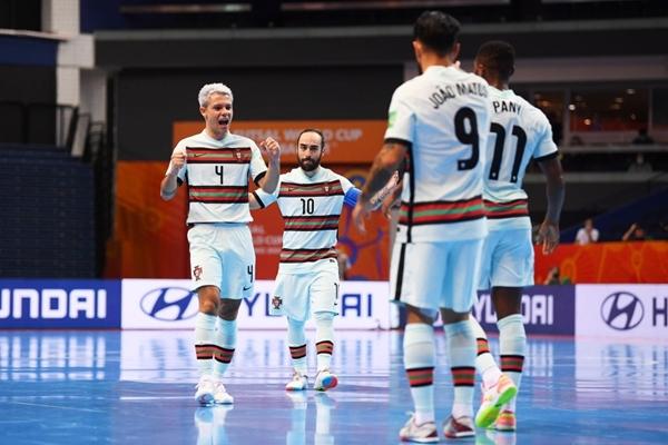 Thắng kịch tính, Bồ Đào Nha giành vé vào bán kết Futsal World Cup 2021