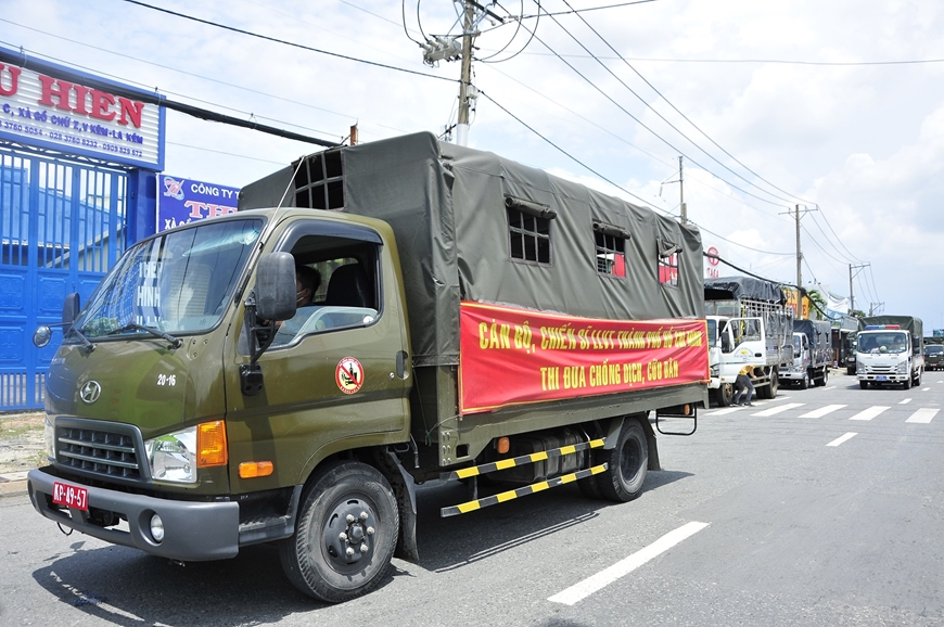Người dân muốn rời TP Hồ Chí Minh về quê cần liên hệ đầu mối nào?