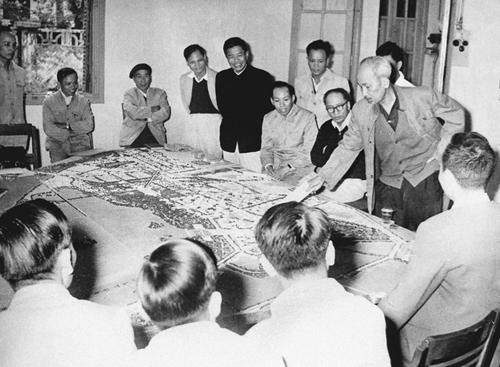 Ngày này năm xưa: 10-10-1954: Bác căn dặn về xây dựng Thủ đô