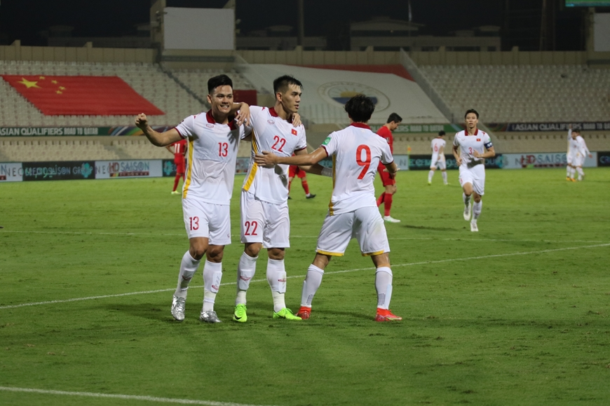 """Kết quả trận bóng đá Việt Nam - Trung Quốc: Tỷ số 2-3 đầy tiếc nuối với những """"chiến binh Sao Vàng"""""""
