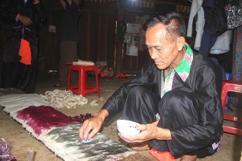 Lễ dù su của dân tộc Mông tỉnh Điện Biên