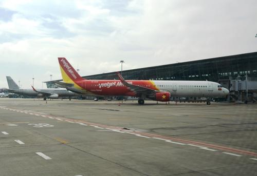 Cấp bách xây dựng gói tín dụng ưu đãi hỗ trợ hàng không