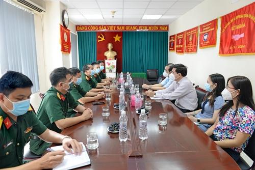 Thành ủy và Ban Tuyên giáo Thành ủy TP Hồ Chí Minh thăm cơ quan đại diện Báo Quân đội nhân dân