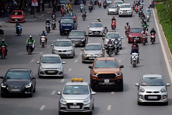 Từ 13-10, Hà Nội mở lại các tuyến xe khách, taxi, xe buýt nào