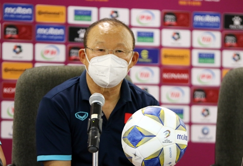 HLV Park Hang-seo chia sẻ gì sau khi đội tuyển Việt Nam thua ngược Oman?