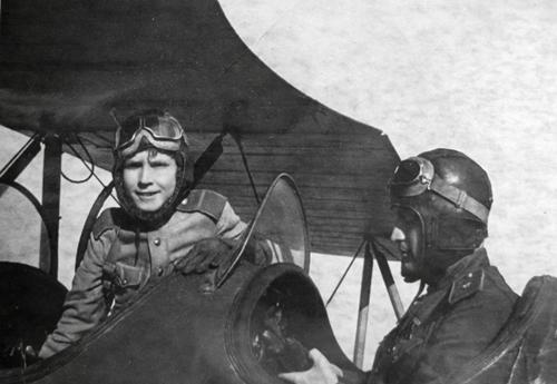 Phi công trẻ nhất Liên Xô trong Chiến tranh Vệ quốc vĩ đại