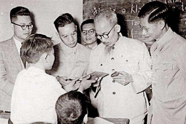 Ngày này năm xưa 19-10-1966 Chủ tịch Hồ Chí Minh đã nói gì về phụ nữ Việt Nam