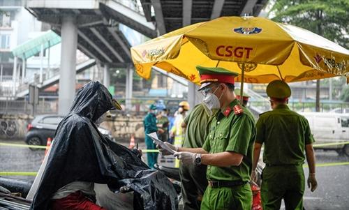 Ra vào Hà Nội và các tỉnh không cần phải có xét nghiệm Covid-19, nên ngay từ hôm nay?