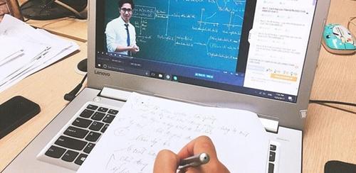 Điện thoại nổ khi học sinh đang học trực tuyến thuộc hãng nào?