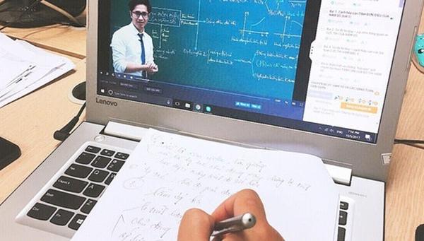 Điện thoại nổ khi học sinh đang học trực tuyến thuộc hãng nào