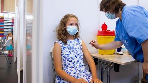 Các nước chọn vắc xin nào tiêm cho trẻ em?