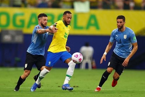 Highlights trận Brazil - Uruguay: Neymar toả sáng