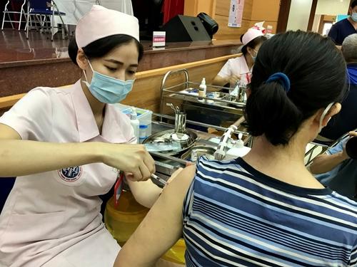 Bản tin Covid tối 15-10: Hà Nội bao phủ vắc xin hơn 97,95% dân số; cả nước có 3.797 ca nhiễm mới
