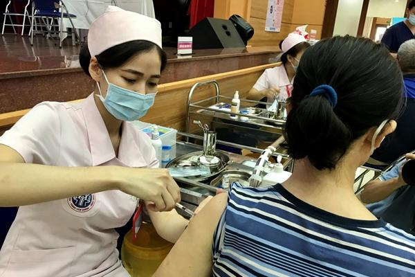 Bản tin Covid tối 15-10 Hà Nội bao phủ vắc xin hơn 97,95 dân số; cả nước có 3 797 ca nhiễm mới