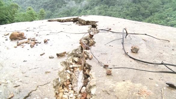 Thanh Hóa xuất hiện vết nứt trên đồi, nguy cơ sạt lở đất đá, đe dọa tính mạng người dân