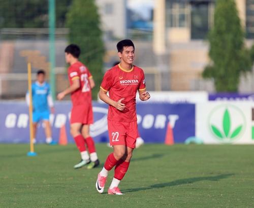 Vòng loại thứ 3 World Cup 2022: Nguyễn Tiến Linh giành danh hiệu cầu thủ xuất sắc nhất tháng 10