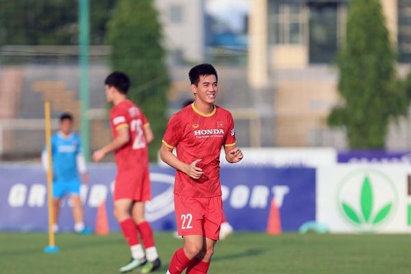 Vòng loại thứ 3 World Cup 2022 Nguyễn Tiến Linh giành danh hiệu cầu thủ xuất sắc nhất tháng 10