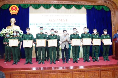 Hà Nam khen thưởng lực lượng quân y hỗ trợ địa phương phòng, chống dịch