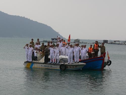Bài 4: Tàu không số vào Nam Trung Bộ - Nam Bộ