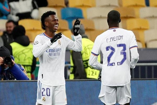 Real Madrid đè bẹp Shakhtar Donetsk; Inter thất bại trước Sheriff Tiraspol