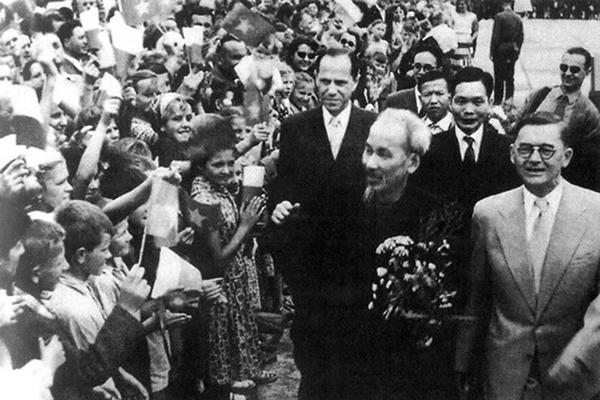 Ngày này năm xưa 22-10-1963 Vì sao Bác Hồ nói Việt Nam là cầu nối đoàn kết quốc tế