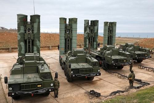 Cách Nga hút khách trên thị trường vũ khí toàn cầu