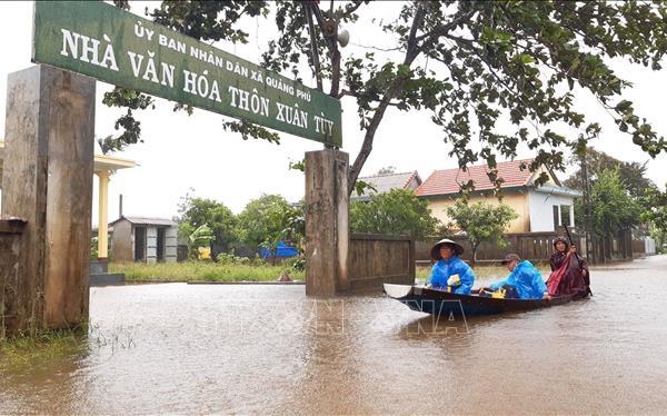 Mưa to gây ngập lụt trên diện rộng ở Thừa Thiên Huế