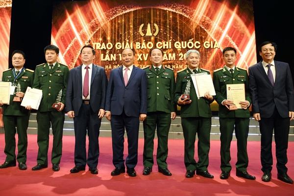 Lễ trao giải Báo chí Quốc gia lần thứ XV Báo chí đồng hành cùng đất nước