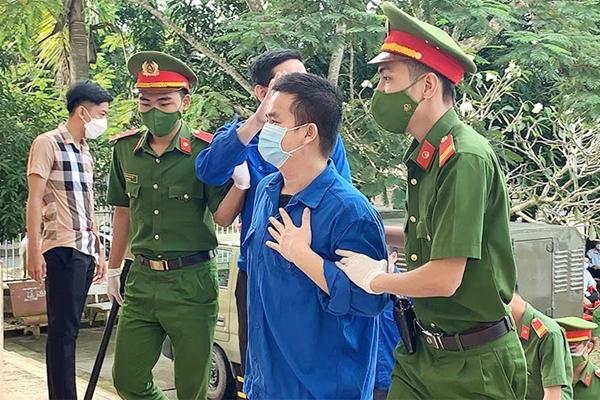"""Trương Châu Hữu Danh cùng nhóm """"Báo Sạch"""" lĩnh tổng cộng 14 năm 6 tháng tù"""