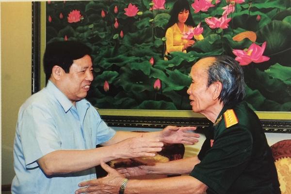 Kỷ niệm làm báo với Bộ trưởng Phùng Quang Thanh