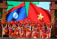"""""""越南战士们的鲜血与老挝干部 党员 战士及人民的鲜血交融"""""""