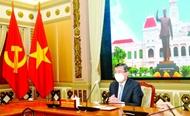 胡志明市人民委员会主席阮成锋会见即将离任的意大利驻胡志明市总领事