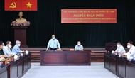 阮春福莅临胡志明市视察疫情防控工作 走访慰问防疫一线工作人员