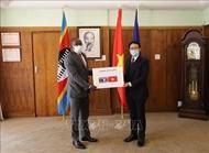旅居南非越南人助力非洲国家新冠疫情防控阻击战