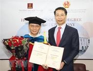 张扬集团(岘港)控股有限公司董事长林建中荣获河内大学名誉博士学位证书