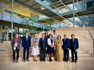 越南驻瑞士大使走访日内瓦科学和外交预测专家机构