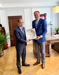 推动越南与波兰各地方与企业之间的合作