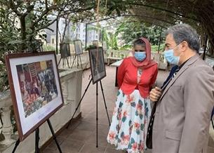 通过在阿尔及利亚的历史资料图片展展现国际友人的敬仰之情