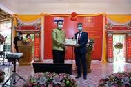 推动越南与泰国友好合作关系万古长青、世代相传