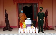 Soc Trang border guards care for Khmer people