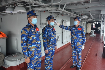 Vietnamese frigates active in COVID-19 prevention and control