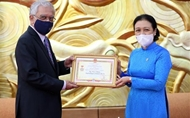 Outgoing U.N. Resident Coordinator receives friendship insignia